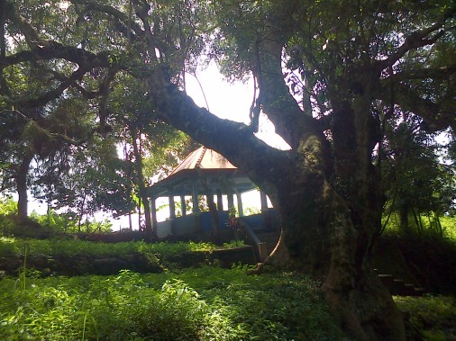 tempat pertapaan di pager gunung